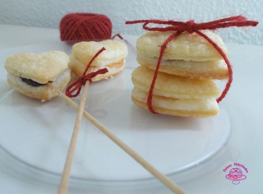 Corazones de hojaldre rellenos de chocolate para San Valentín
