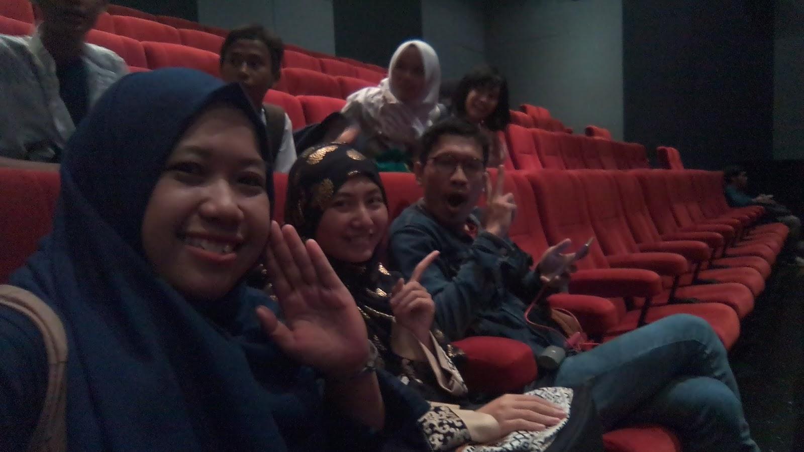 "Jadi buzzer film seram ""Keluarga Tak Kasat Mata"""
