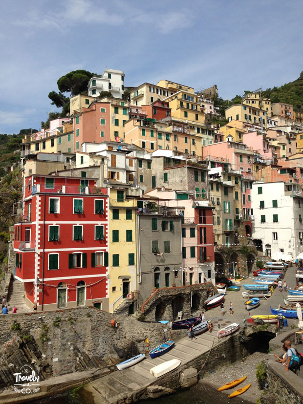 Cinque Terre en un dia que visitar vistas riomaggiore casas colores