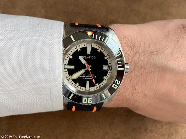 Aquatico Oyster wrist