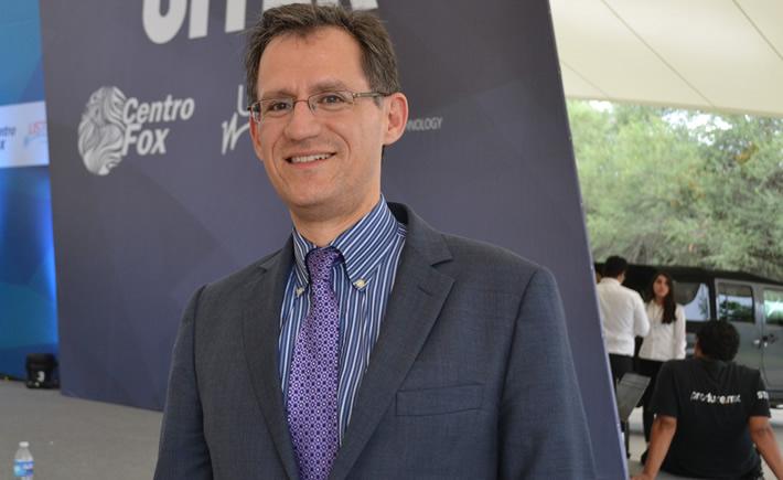 """El jefe negociador por México de la Secretaría de Economía, Kennet Smith, aceptó que las negociaciones sobre reglas de origen quedaron suspendidas momentáneamente y aseguró que no hay ningún """"rompimiento"""", tras la salida del negociador de reglas de origen de Estados Unidos, Jason Bernstein a su país. (Foto Vanguardia Industrial)"""