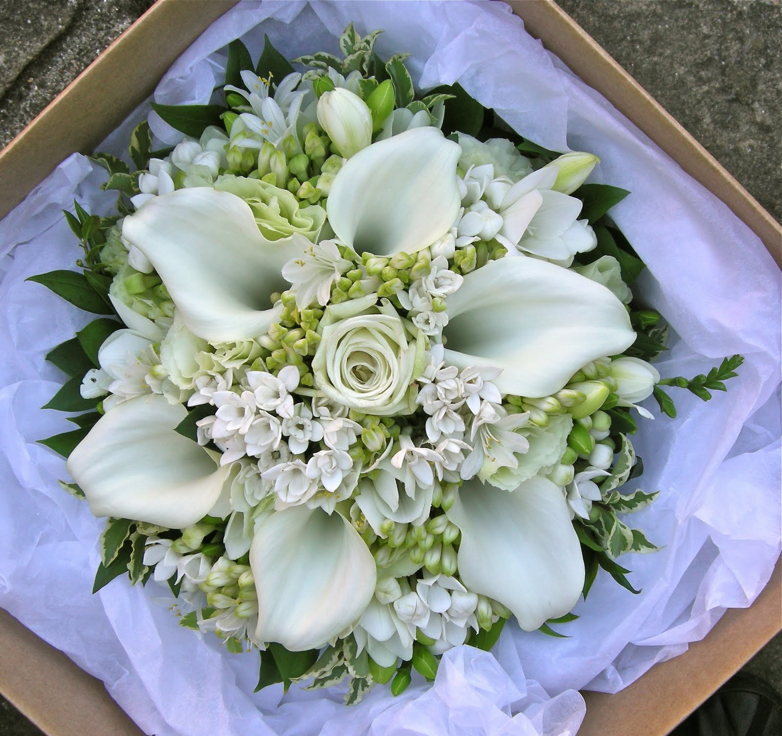 White Wedding Flowers: Wedding Flowers Blog: Alison's Pale Green And White