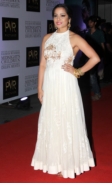 Shriya Saran Looking hot in 'Midnights Children'  premiere