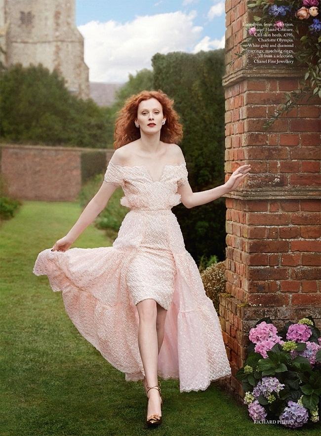 Harper\'s Bazaar Reino Unido muestra imágenes de Karen Elson posando ...