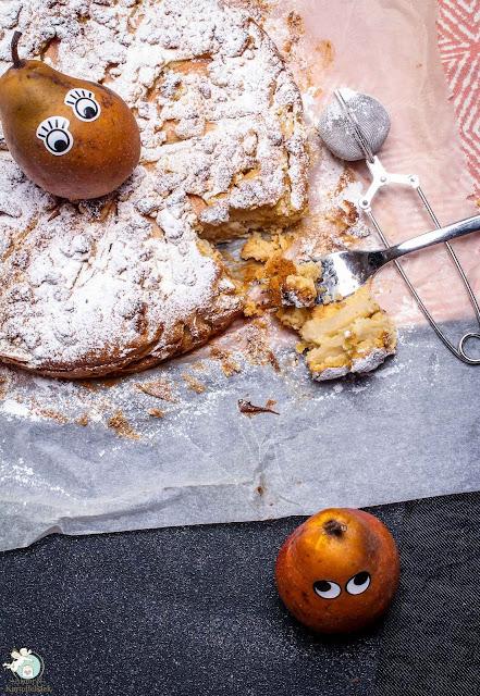 Streuselkuchen mit Birne und Marzipan