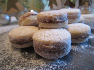 Vanilla cookies with nuts