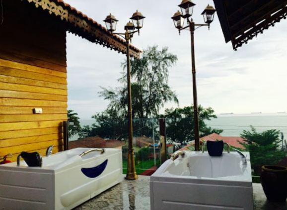 Kampong Pinang Sebatang Chalet jakuzi tab mandi