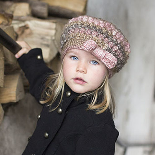 Puff stitch hat with bow - Free Pattern