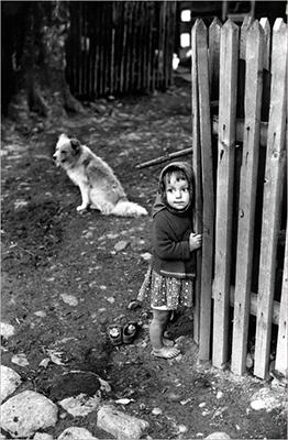 http://yama-bato.tumblr.com/post/156116578141/lamus-dworski-poland-1964-photo-elliott