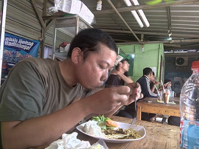Makan Murah di PUJASERA Cipinang Indah
