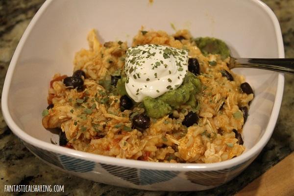 Slow Cooker Spicy Chicken & Rice #recipe #chicken #slowcooker #crockpot #rice #maindish