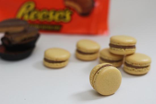 reece's peanut butter macarons