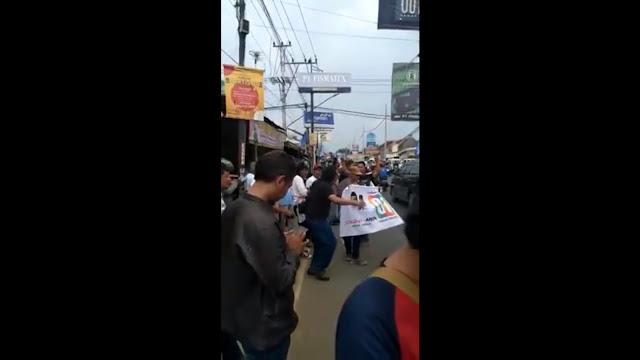 Aksi Provokasi Pendukung Paslon 01, Hadang Sandiaga dan Bikin Macet
