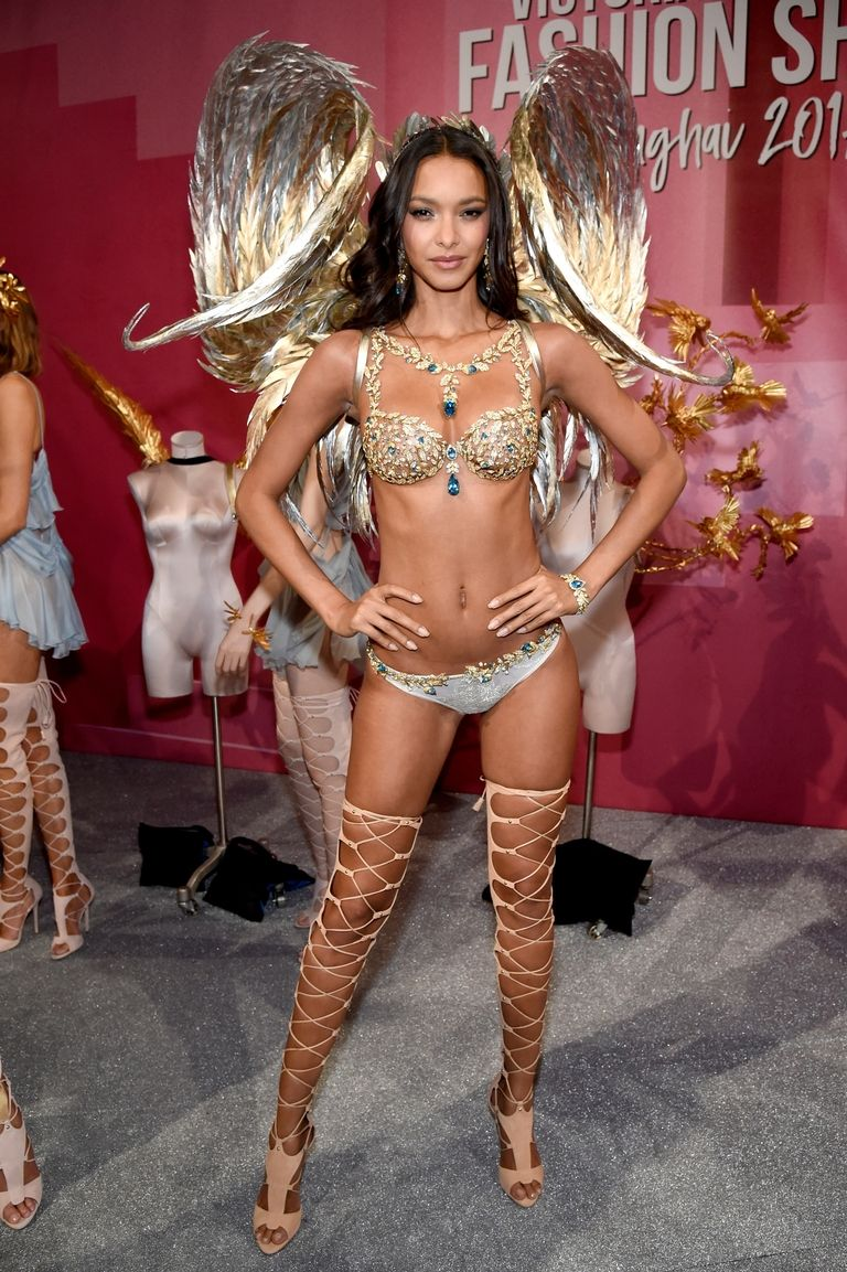 Lais Ribeiro dazzles in $2 Million 2017 Champagne Nights Fantasy Bra