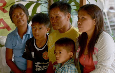 Mary Jane Veloso's family, including her two sons