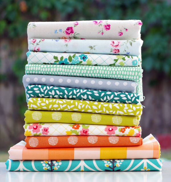 Sunday Stash: A Mixed Bundle of Fabrics | © Red Pepper Quilts 2018