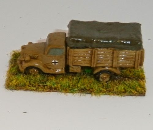 Late War German Artillery And Vehicles Pictures 9
