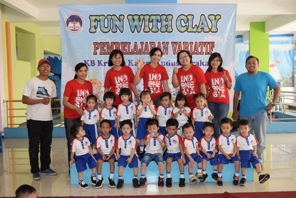 Fun with Clay: Pembelajaran Variatif KB Kristen Kalam Kudus Surakarta