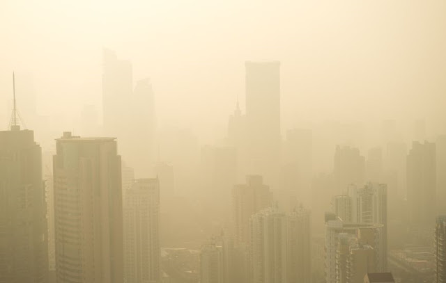 Thick haze in China. Copyright: hxdbzxy / 123RF Stock Photo