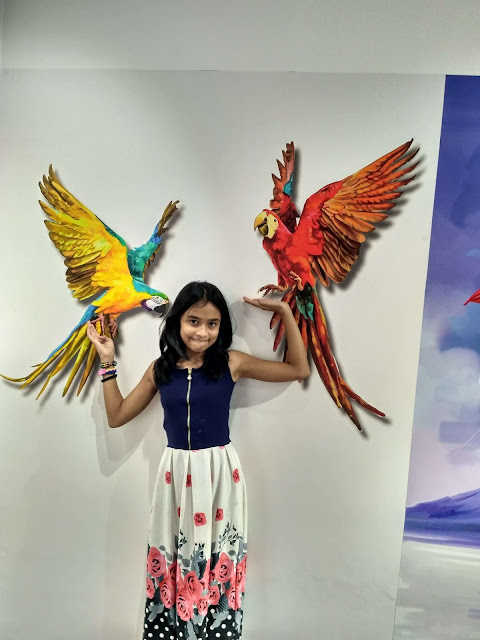 3 Dimensional painting on wall of birds