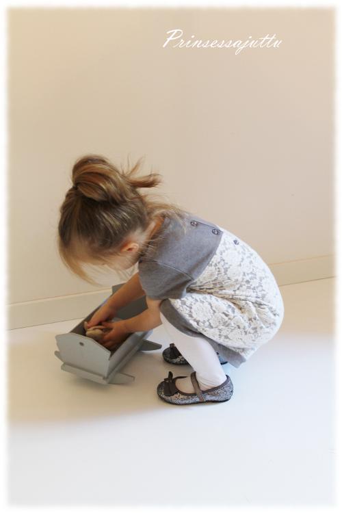 Prinsessajuttu: Vaatteita Pikku Mineasta (+arvonta)