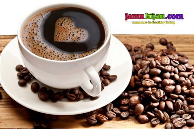 Manfaat kopi untuk kesehatan diantaranya meningkatkan daya ingat, atau tidak cepet pikun ( pelupa ).
