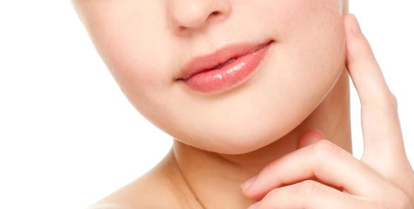 Penyebab Bibir Hitam Selain Merokok dan Cara Memerahkannya secara Alami