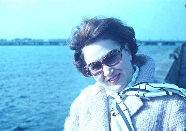 1970 год. Рига. Набережная Даугавы. Советская российская оперная певица Ирина Константиновна Архипова