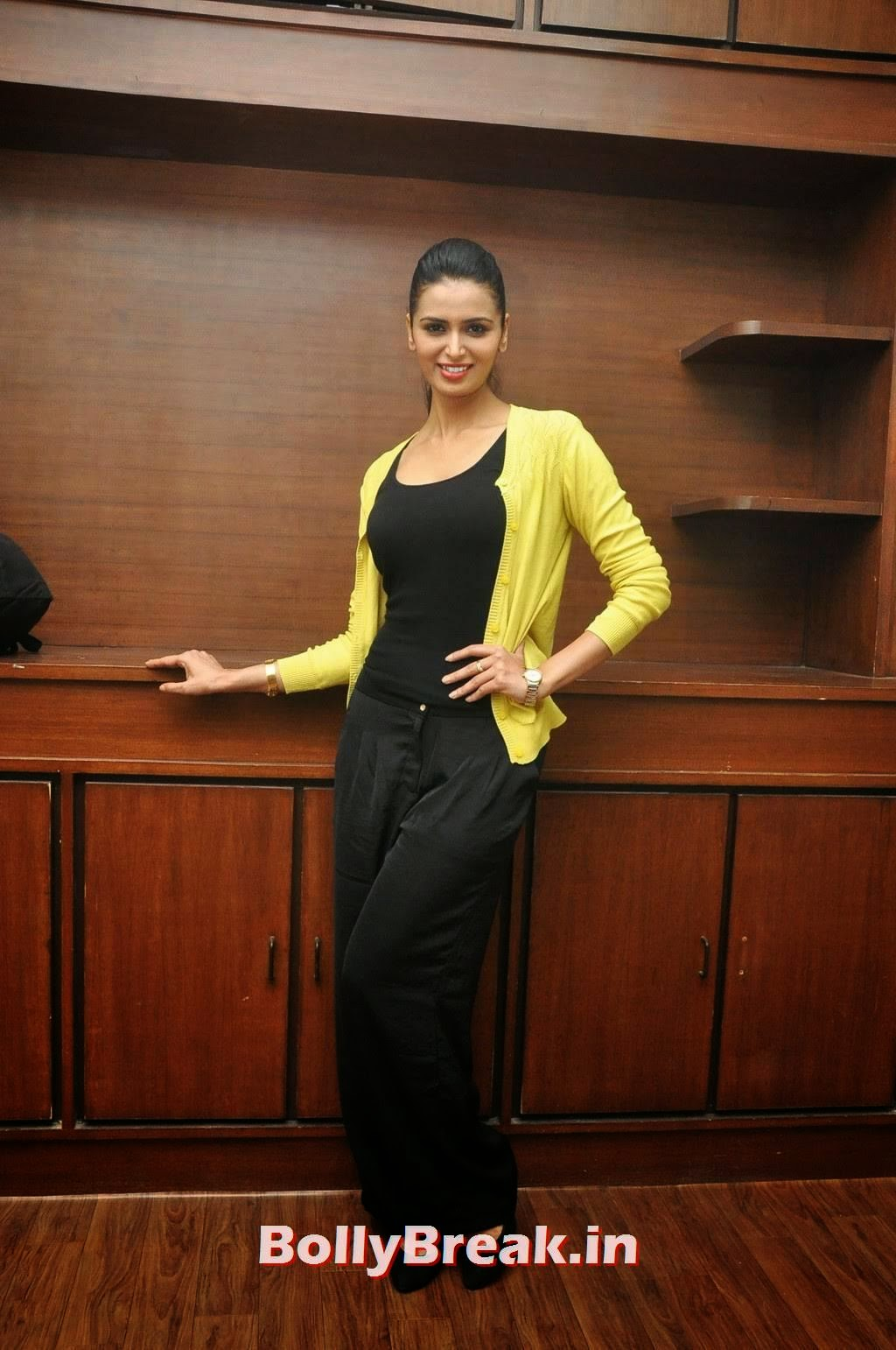 , Meenakshi Dixit Latest Images in Casual clothes