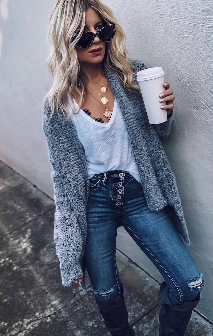 how to style a grey cardigan : white tank top and ripped jeans
