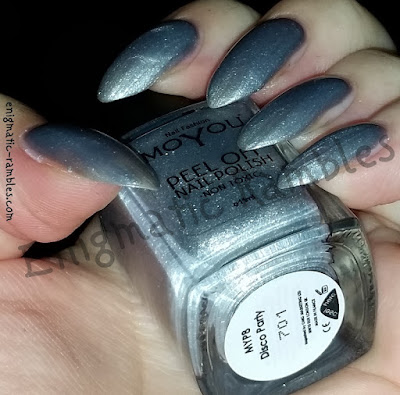 Review-Swatch-MoYou-Peel-Off-Polish-Disco-Party