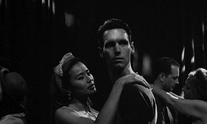 O Ano de 1985: delicado e sem exageros, filme de Yen Tan aborda relações familiares durante a primeira onda da Aids | Cinema