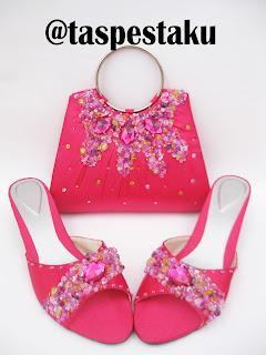 Set Matching Pink Fanta Tas Pesta dan Sandal Pesta Payet Gold