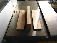 厚みの違う木片