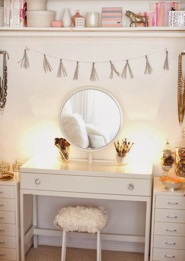 Cute Pinterest Vanity Table