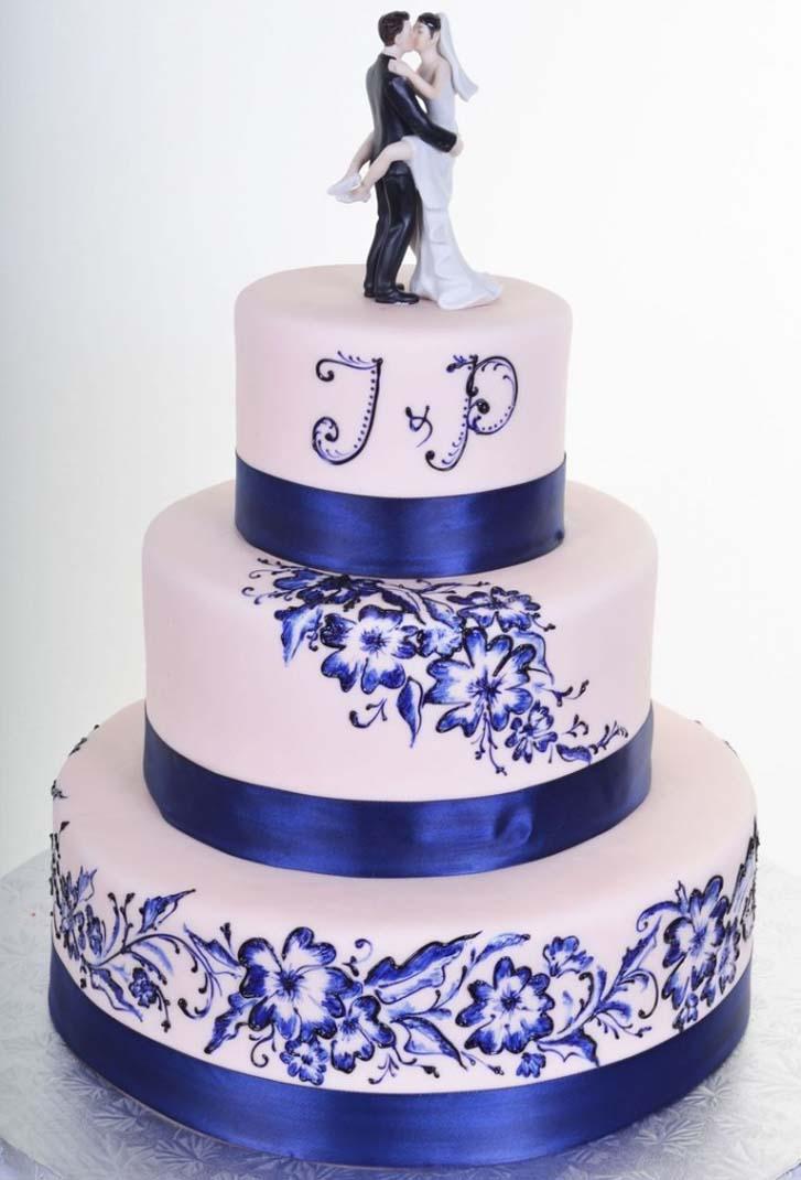 9 Awesome Blue Wedding Cakes