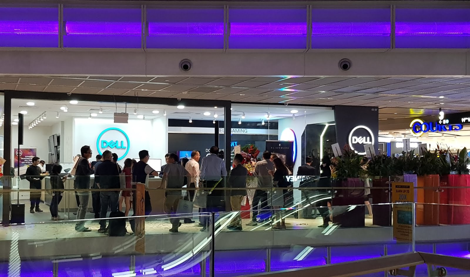 TechTouch Asia: Dell opens new exclusive store in Singapore