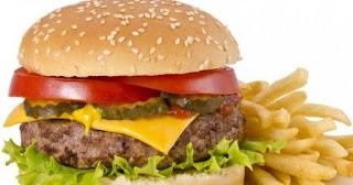 Daftar 7 Makanan yang Sebaiknya Tidak Dikonsumsi Sebelum Tidur