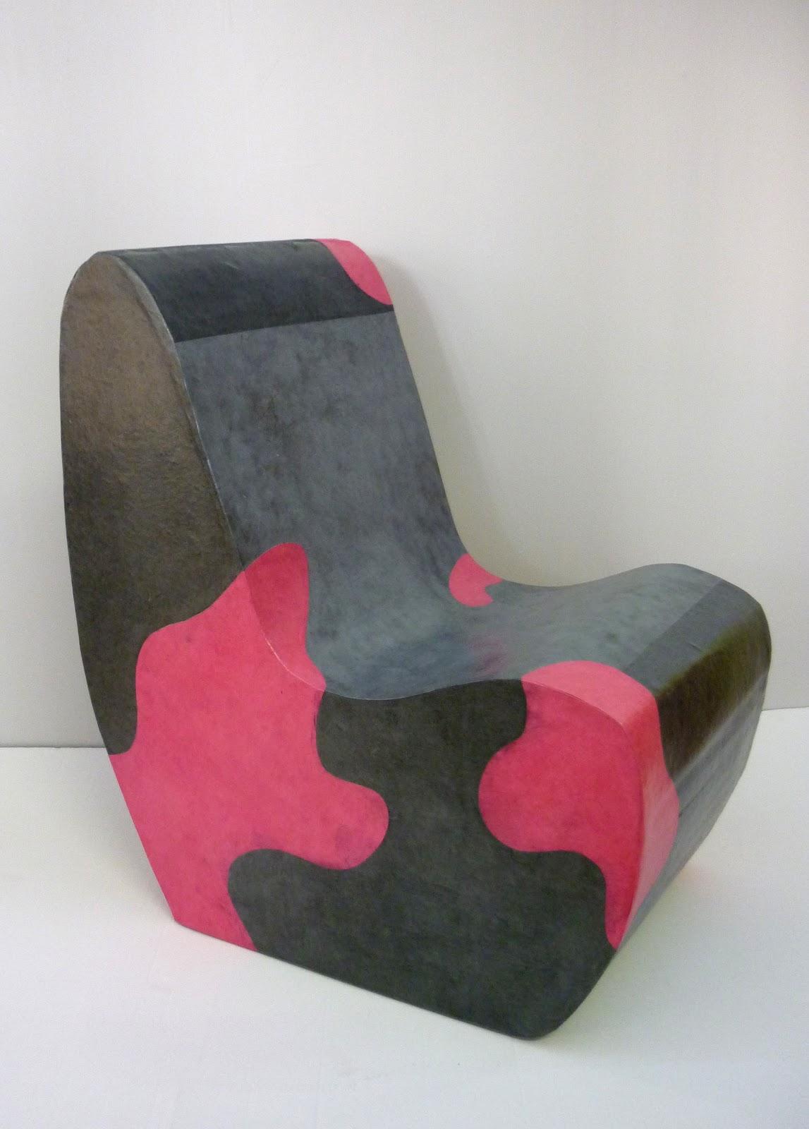 carton et compagnie fauteuil club sans accoudoir gris et t ches roses. Black Bedroom Furniture Sets. Home Design Ideas