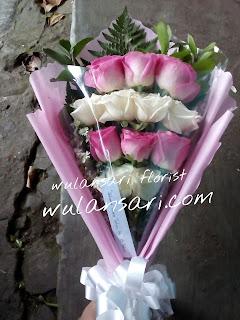 Hand Bouquet Mawar (WS-116)