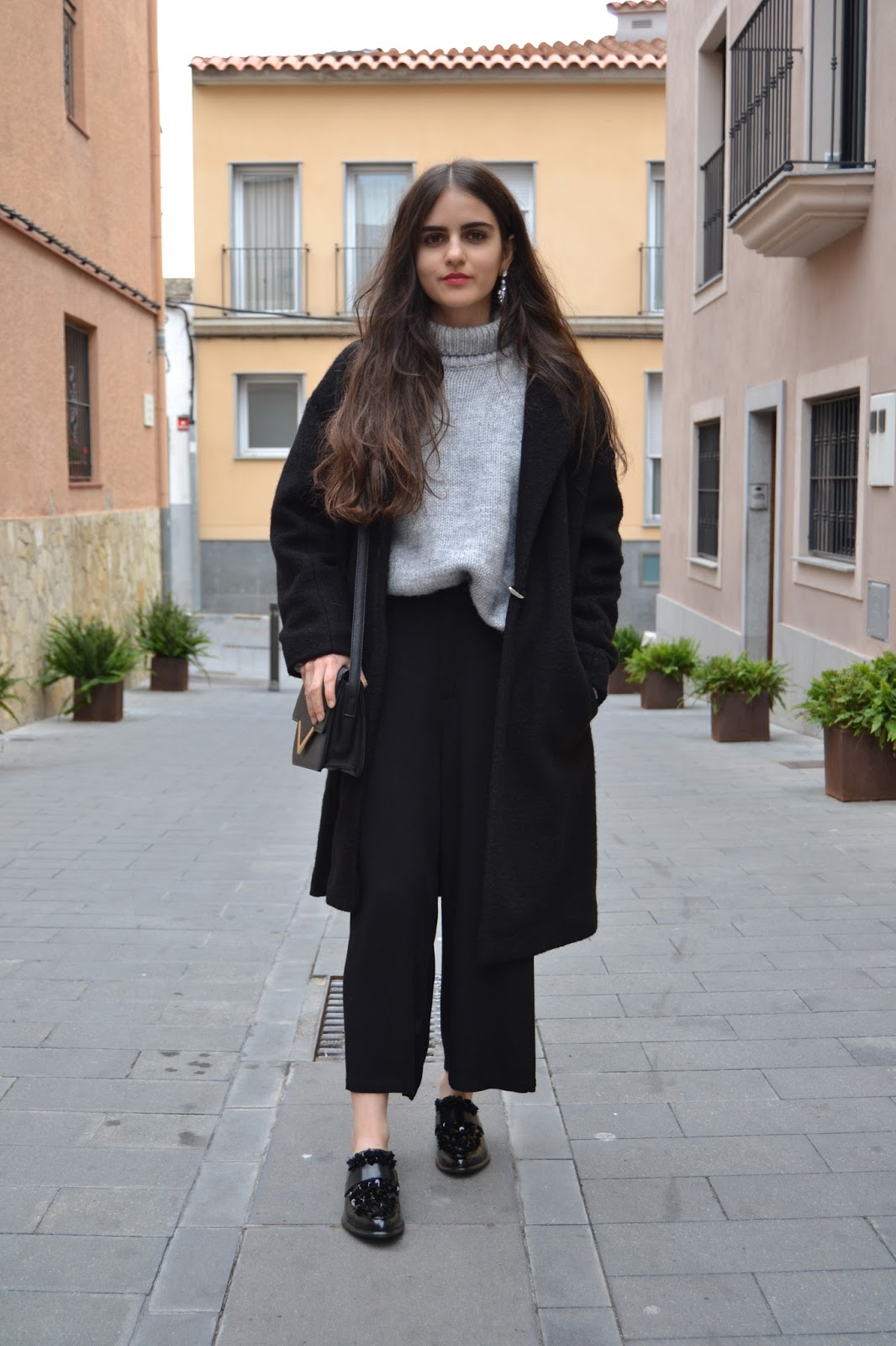 outfit with culottes and oversized coat