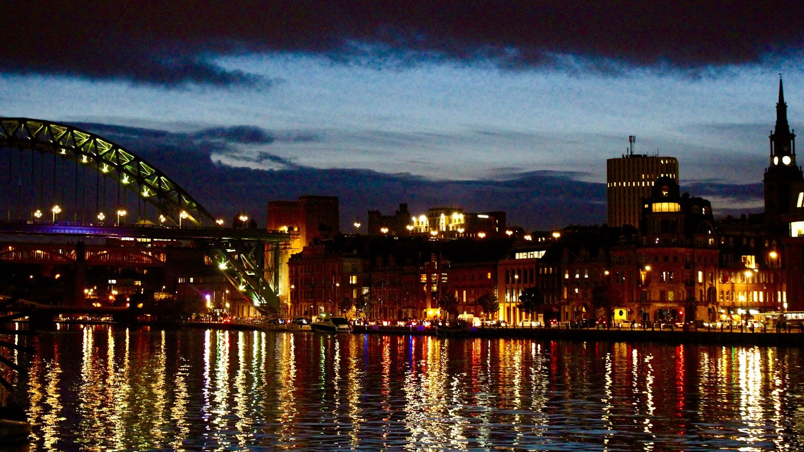 quayside newcastle night time lights tyne
