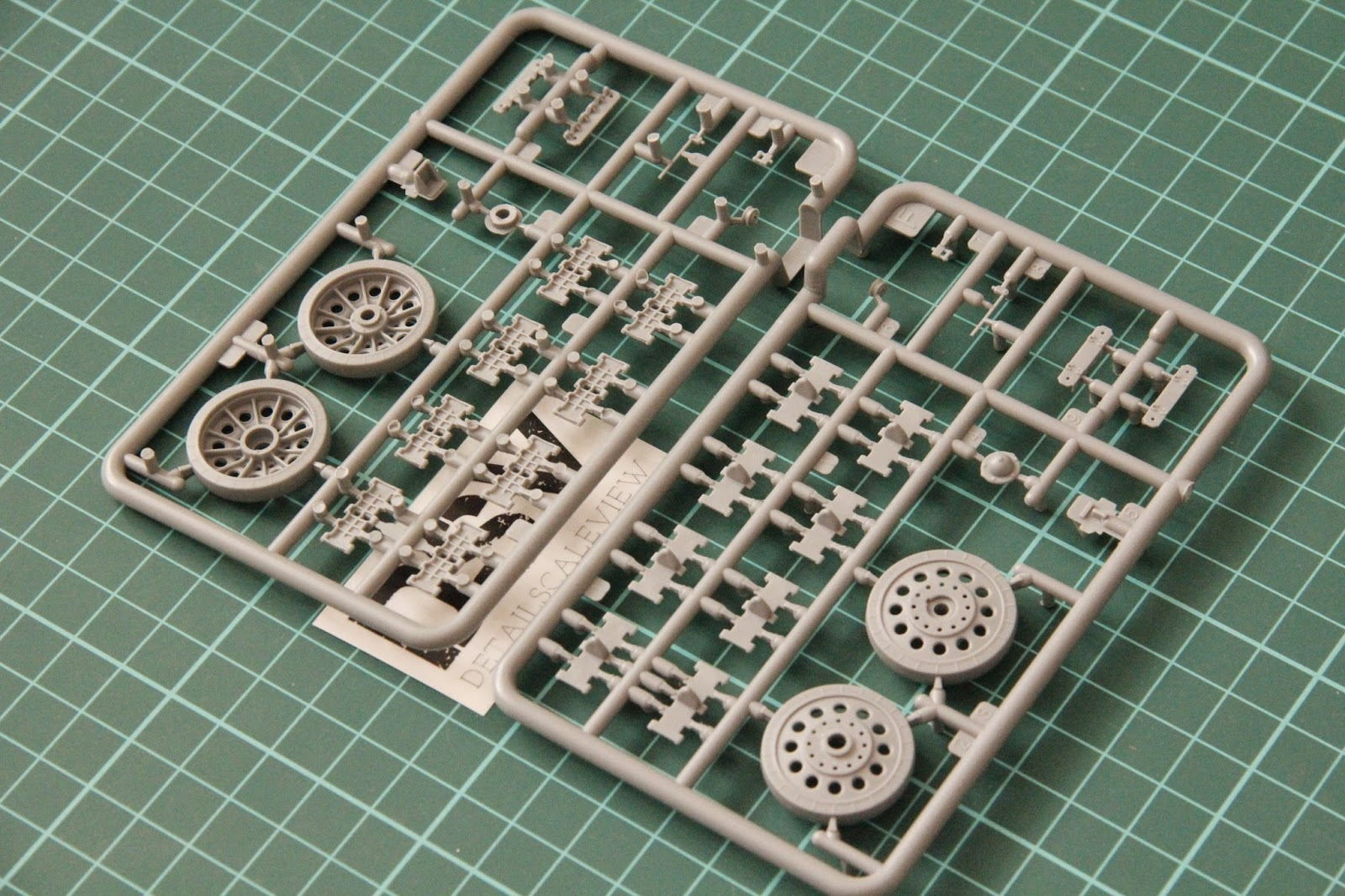 1//35 Scale Metal Track Links for All T-34//85 Tank w//metal pin Need Assemble