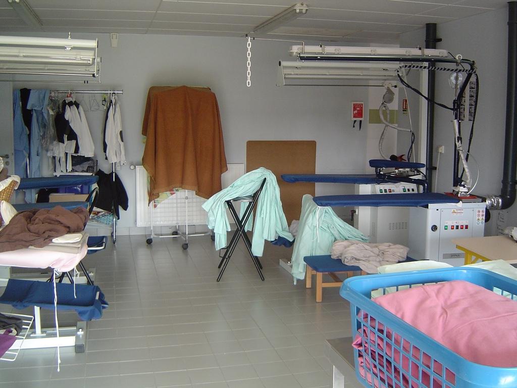 impro ime les coteaux l 39 atelier lingerie. Black Bedroom Furniture Sets. Home Design Ideas