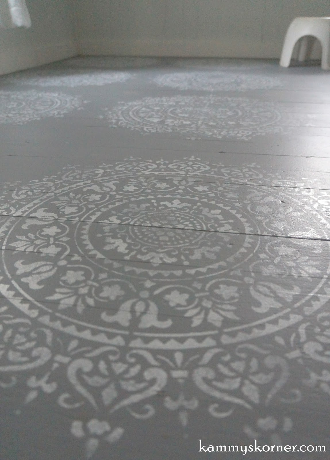 Kammys korner november 2016 i had this diamond design stencil though it was a bit smaller than i would have liked but it gave the floor that extra filled in look that i wanted amipublicfo Image collections