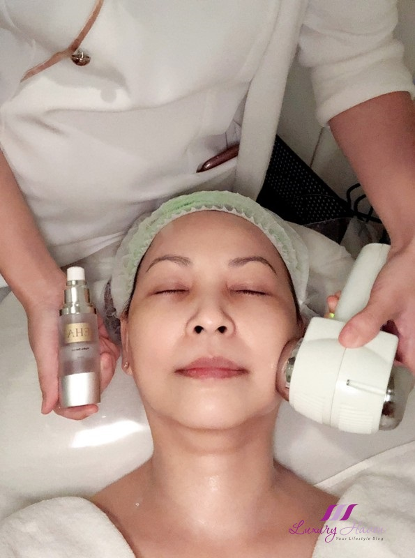 singapore beauty influencer reviews eha refreshing medical facial