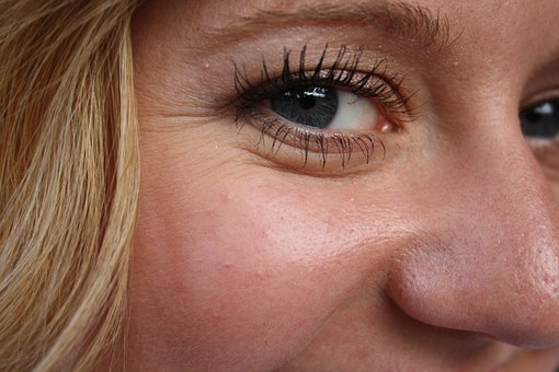 Hello to Looking Forever Young, Say Good Bye to Under Eye Wrinkles
