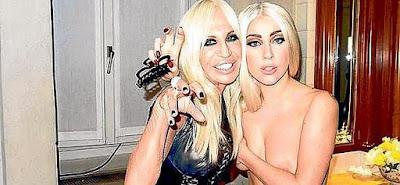 Lady Gaga en tetas