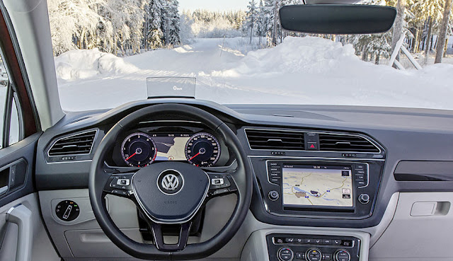 PR | Perfect Visibility with No Heating Wires – The Climate Windscreen from Volkswagen