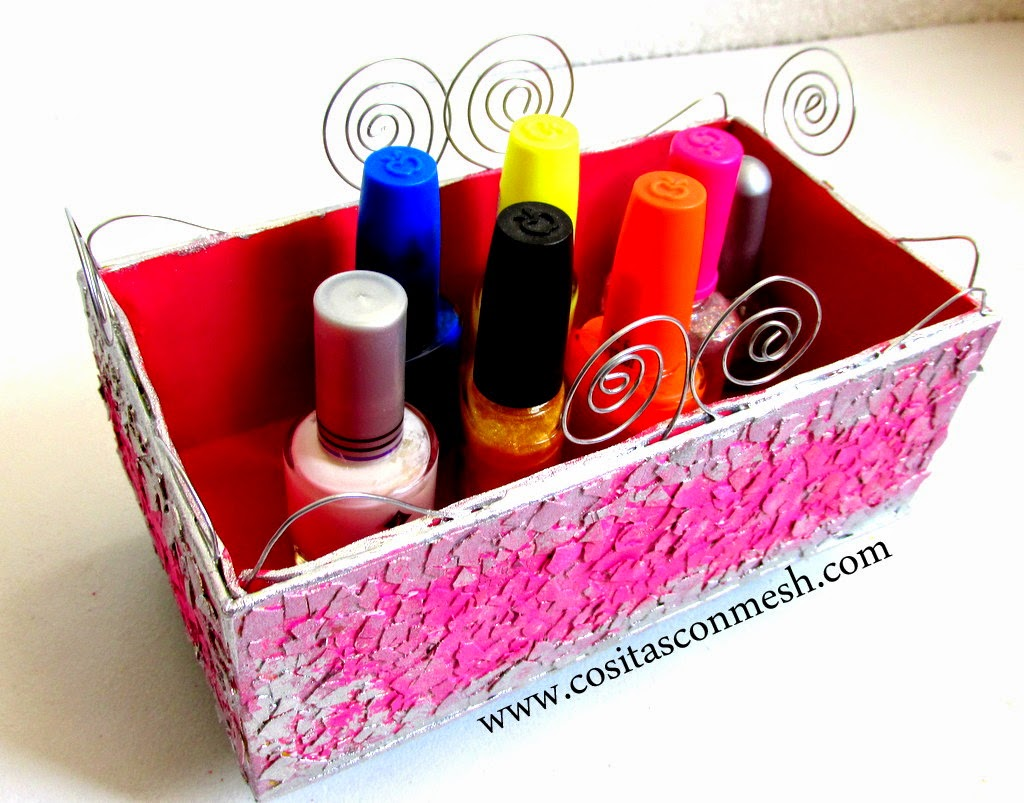 C mo reciclar una caja de cart n manualidades cositasconmesh for Reciclar cosas para decorar